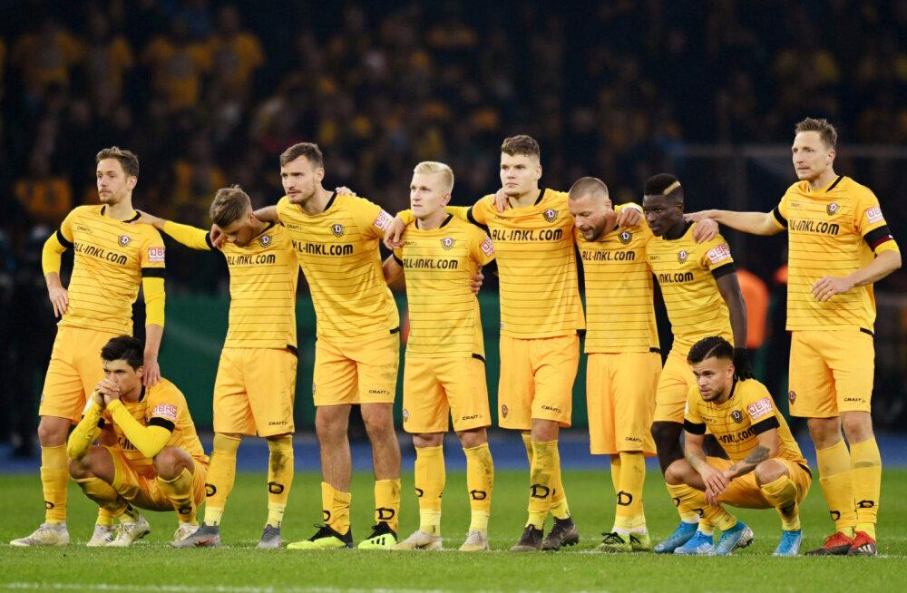 Tagasilöök Saksamaa jalgpallile: terve Dresdeni Dynamo meeskond pandi kaheks nädalaks karantiini