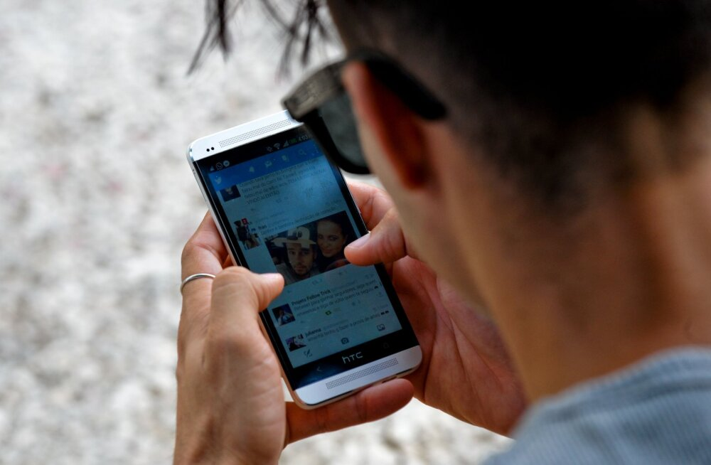Uuring: sotsiaalmeedia tõstab poliitilised äärmused kunstlikult esile