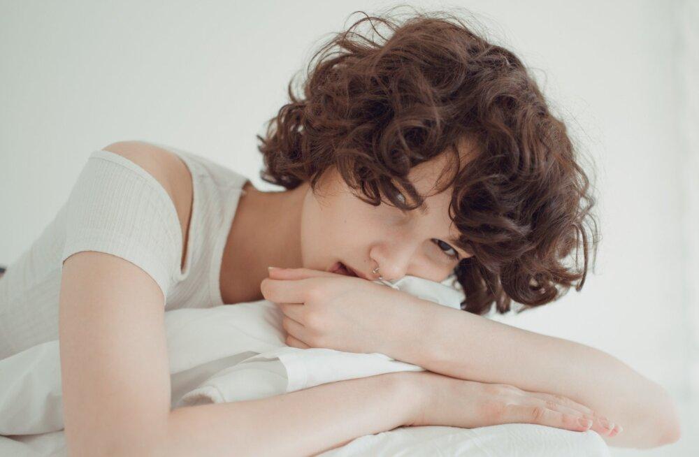 Naised jagavad kogemusi: mis tunne on tegelikult oma süütusega hüvasti jätta?