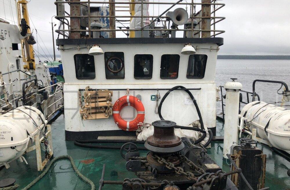 Затонувший траулер принадлежит семье рыбопромышленников из Мурманска. Глава семьи находится под следствием