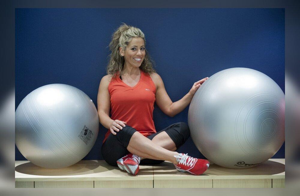 Naisteka trenninipid: seitse harjutust võimlemispalliga
