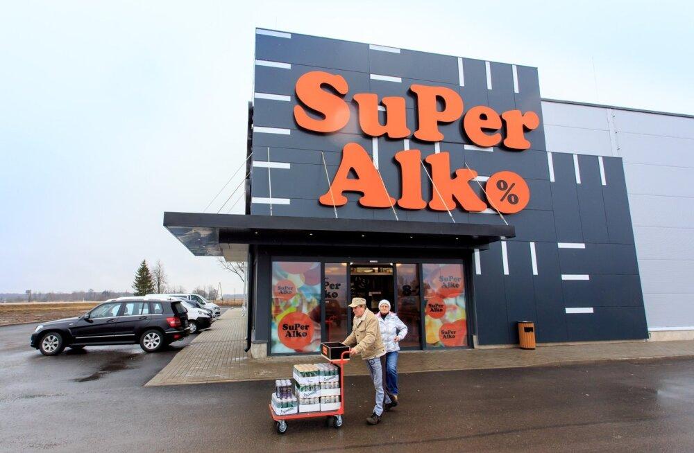 Sellel aastal Lätis järjest kauplusi avanud SuperAlko omanik tahab piiril haaret laiendada.