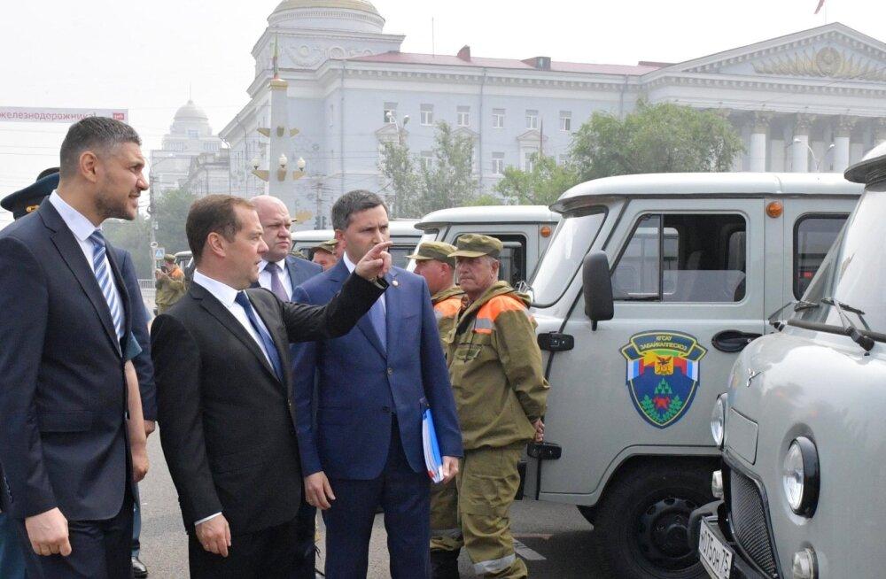 Medvedev käskis uurida, kas Siberi metsapõlengud võidi süüdata sihilikult