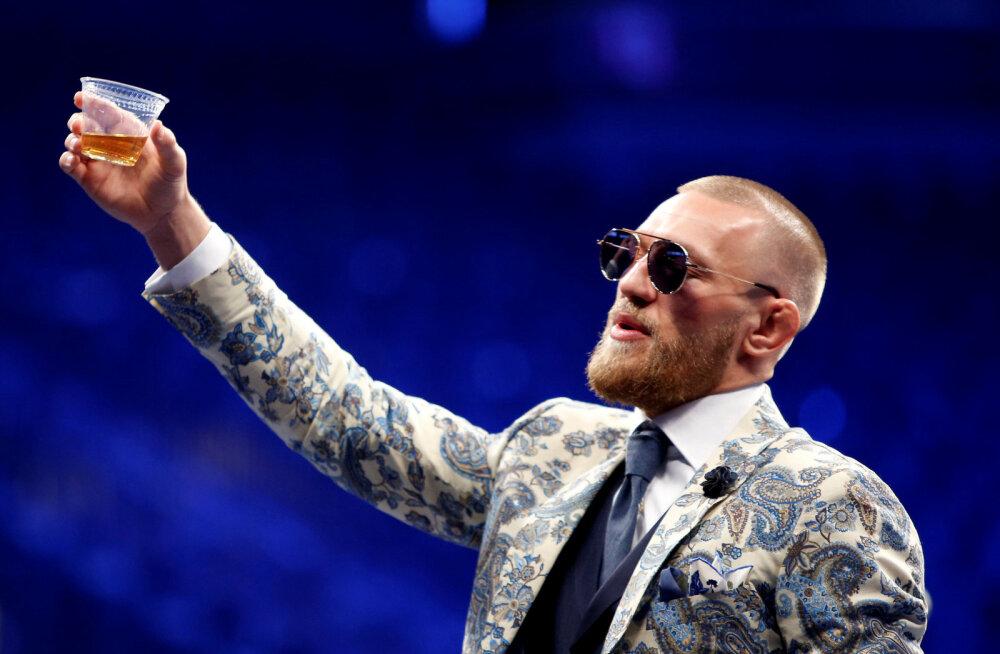 Iiri vanahärrat rusikaga näkku löönud Conor McGregor vastas väljakutsele ja lubas poksiringi naasta