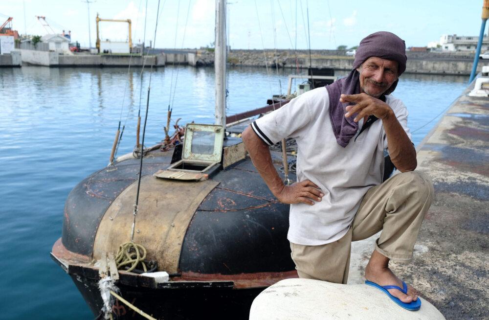 Поляк и его кот семь месяцев дрейфовали в Индийском океане
