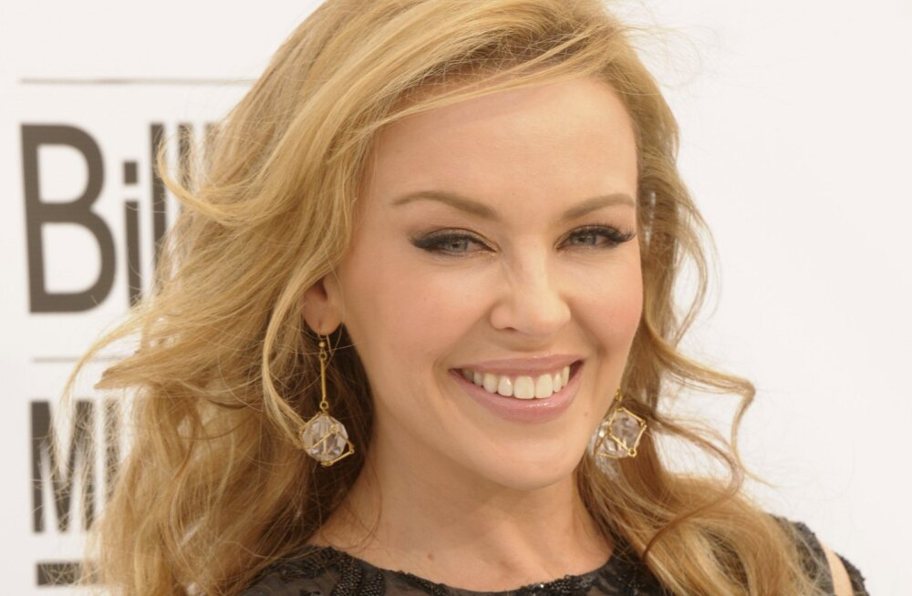 KLÕPS | Fännid ehmunud! Kylie Minogue nägu on iluoperatsioonide tõttu oma sära kaotanud