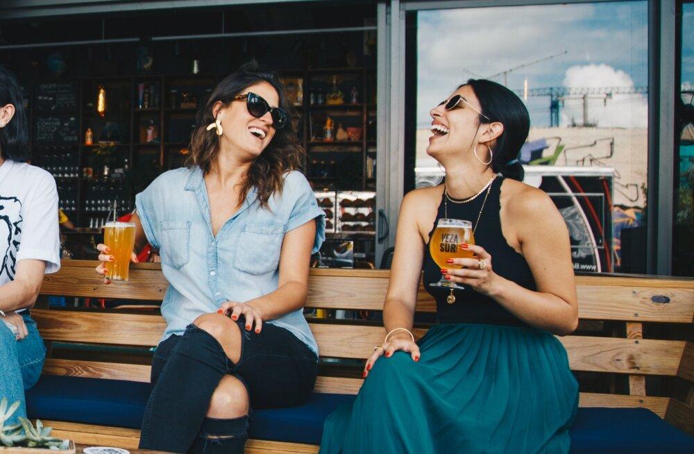 7 faasi, mida läbib teie sõprus, kui sinule tekib peika, aga su sõbrannad on endiselt vallalised