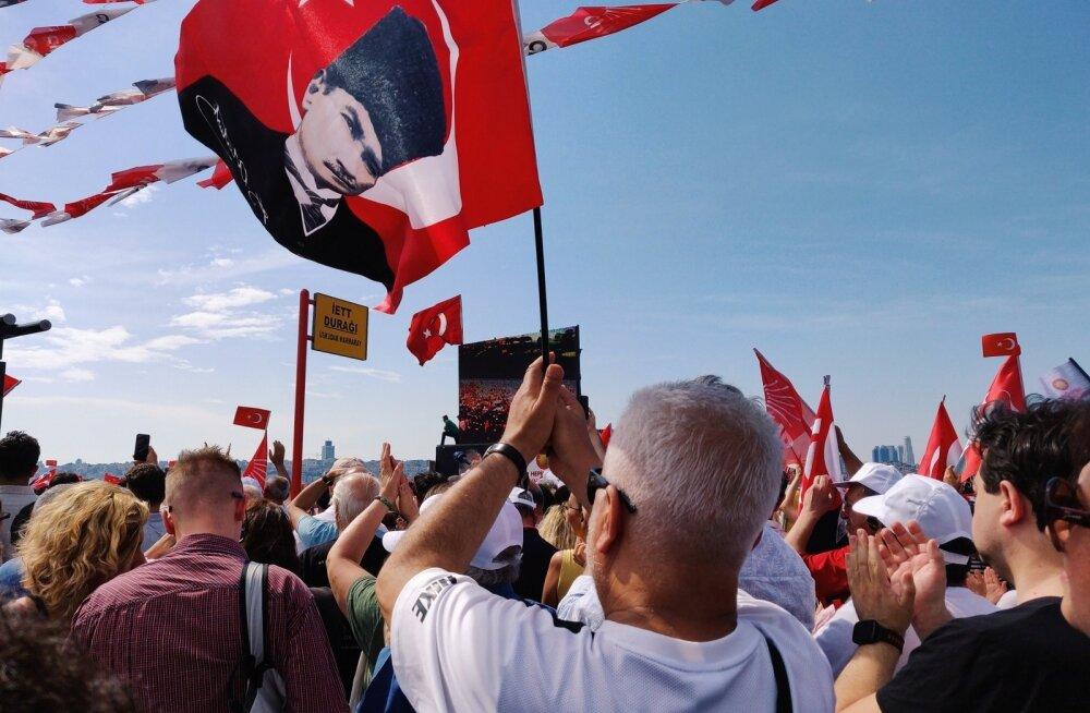 Турция пригрозила США в одиночку начать операцию в Сирии