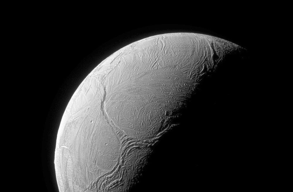 Uued andmed: Saturni kuul on elu tekkimiseks vajalikud nõudmised täidetud