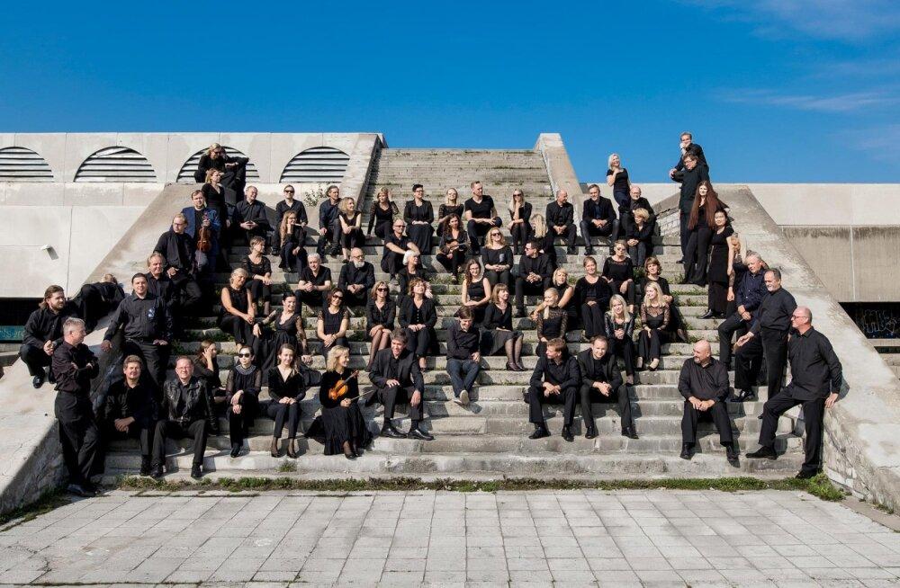 Музыканты Эстонского национального симфонического оркестра за одну неделю дадут 100 концертов по всей Эстонии