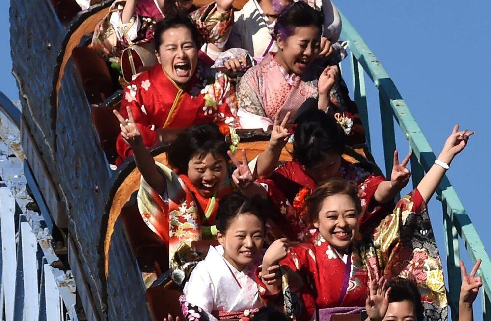 """""""Держите в себе"""": японцам запретили кричать на аттракционах"""