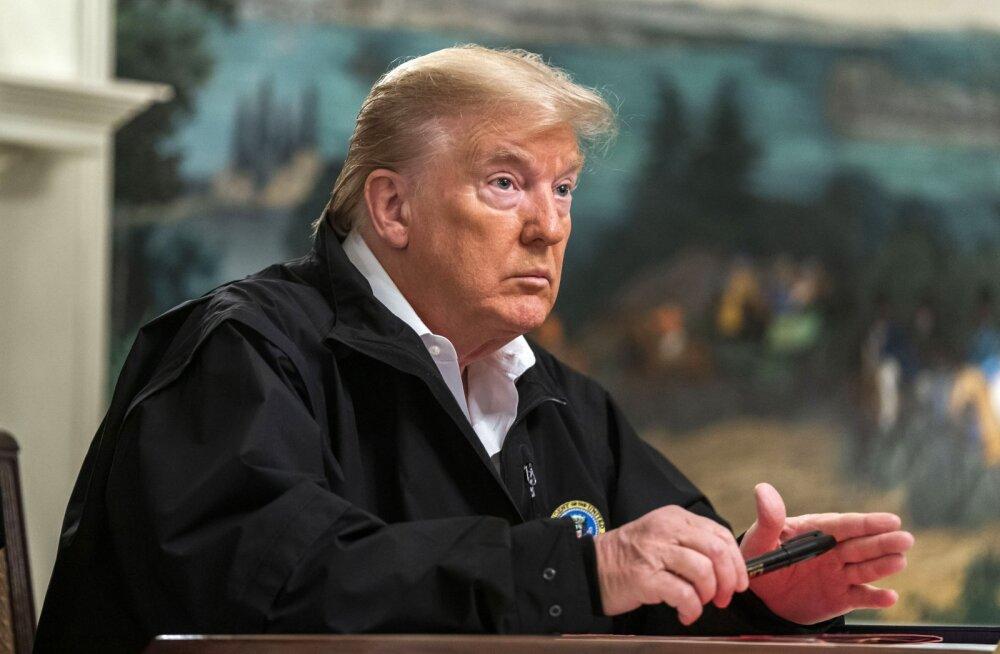 Trumpiga koos reisinud kongresmenid ja personaliülem puutusid varem kokku koroonaviirusesse nakatunuga