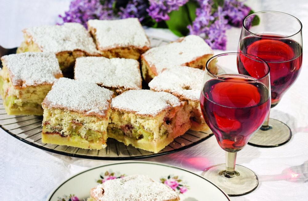 Biskviitkattega rabarberikook — kõigi rabarberikookide ema