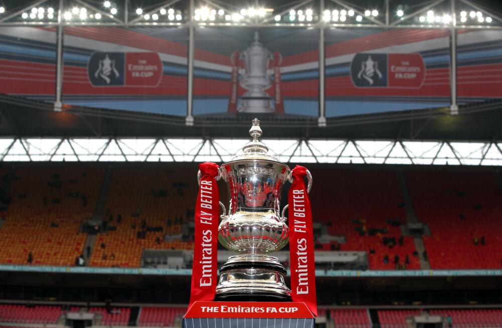 FA Cupi matš jäi pooleli, sest rassistlikult solvatud meeskond jalutas 64. minutil platsilt minema
