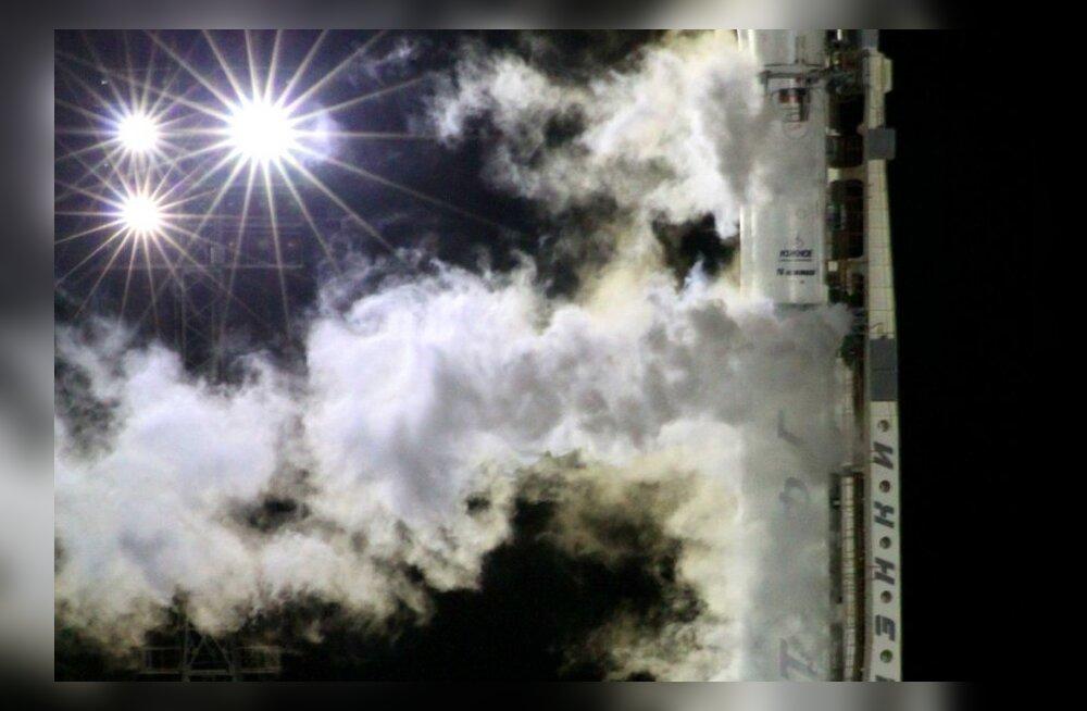 Rakett Zenit-2sB Vnee Marsi-kosmoselaeva Phobos-Grunt startimas. Foto STR, AFP