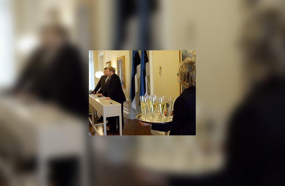 Ivari Padar, Andrus Ansip, Mart Laar ja šampanja