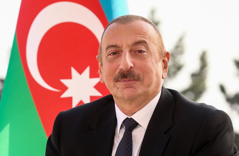 Алиев заявил о готовности к переговорам при соблюдении перемирия