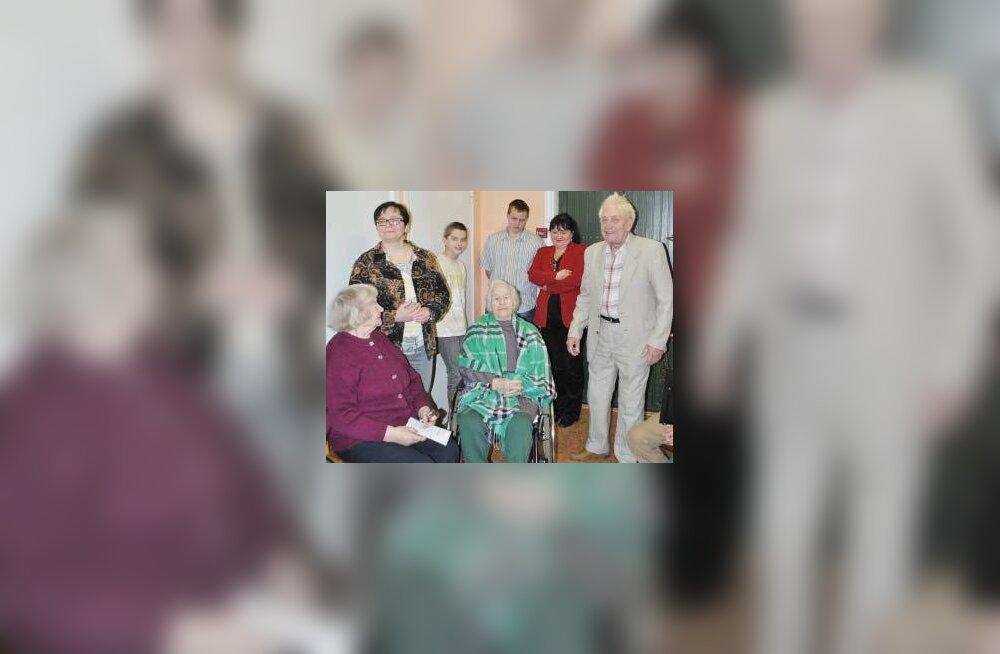 Tööga sajani: Valla vanim kodanik Leida-Helene Kaljusaar sai 100-aastaseks