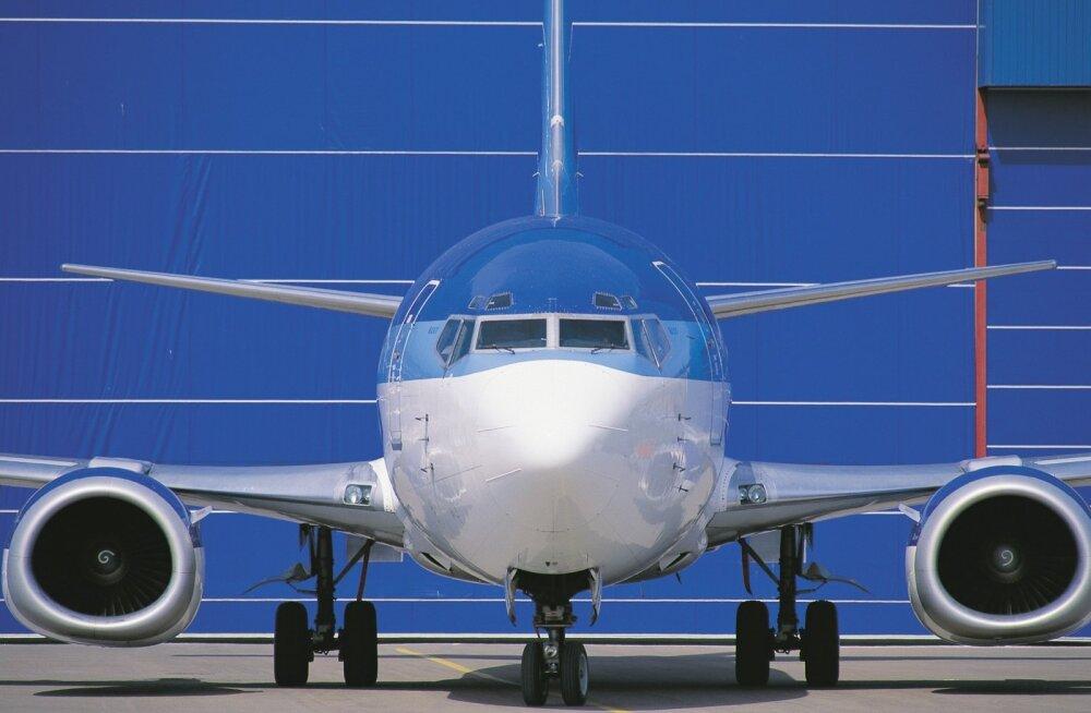 Estonian Air 2006 Boeing