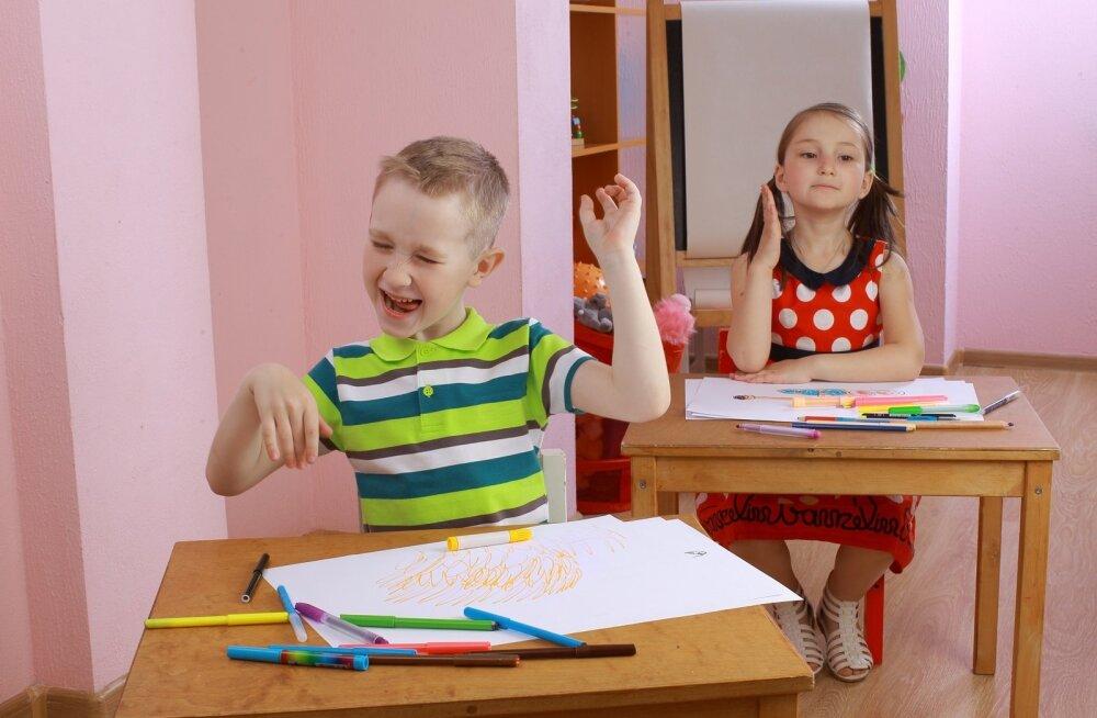 Nõrga keskendumisvõimega lastel on väga raske end teatud ajaks ainult õppimisele suunata ja kogu tähelepanu seal hoida.