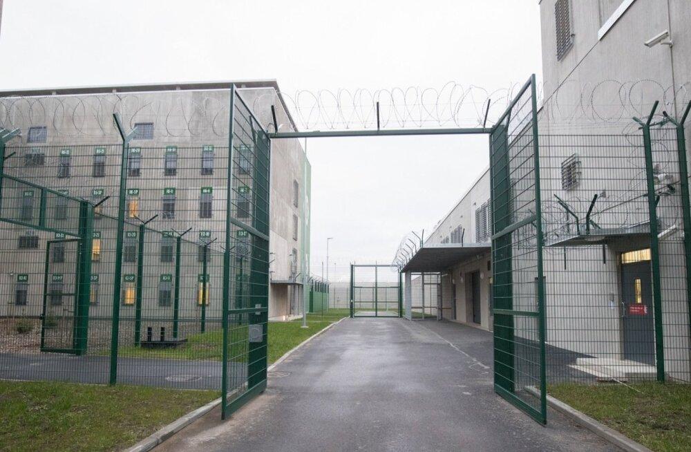 В Таллиннской тюрьме расследуют дело по подозрению во взяточничестве