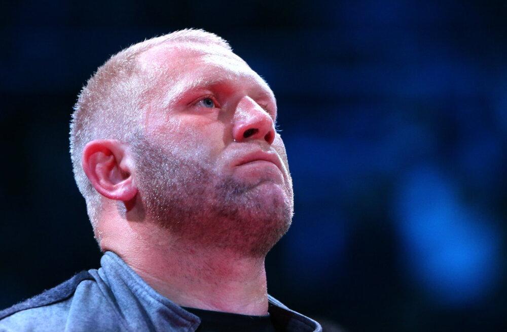 ФОТО: Харитонов показал свое лицо после драки с Яндиевым