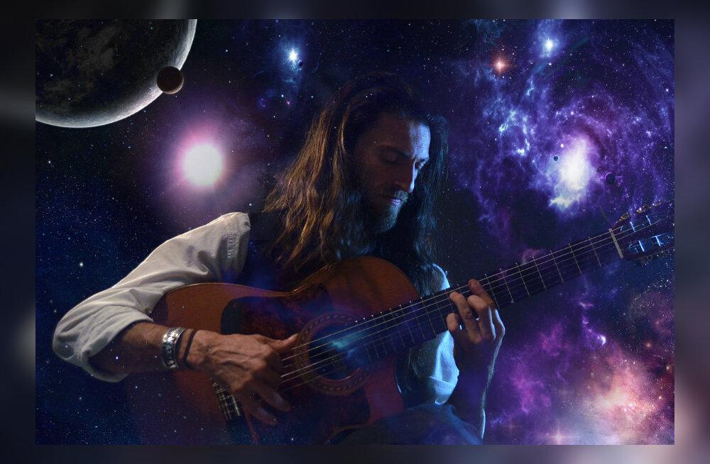 Legendaarne tänavamuusikust kitarrivirtuoos Estas Tonne viib täna Hobuveskis müstilisele kontsert-rännakule