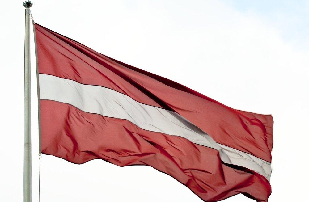 läti lipp