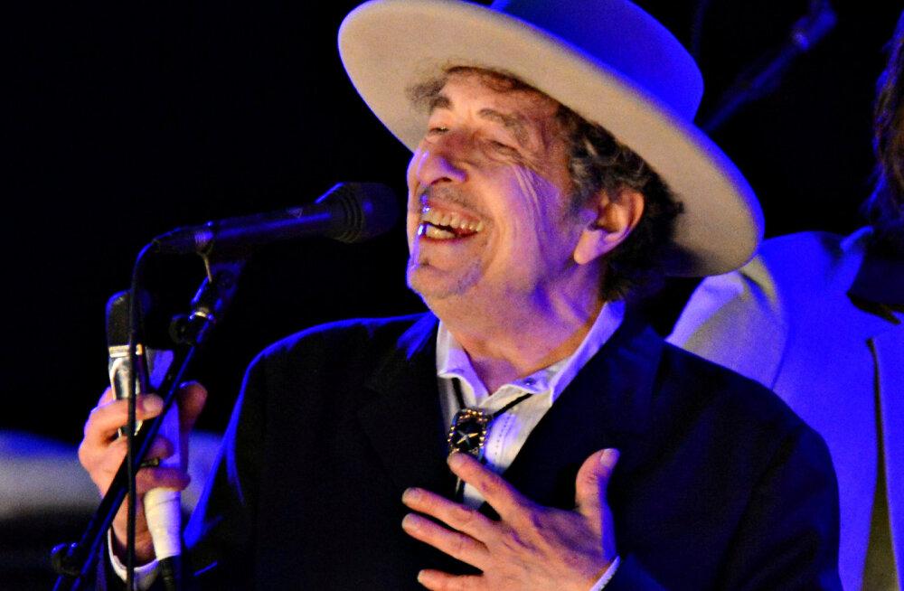 Nobeli komitee on segaduses: värske kirjanduspreemia laureaat Bob Dylan ei võta toru