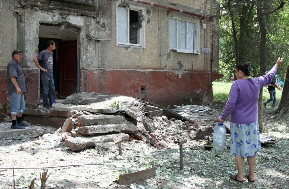 Olukord Donbassis Kaljulaidi visiidi eel: mässulised rikkusid relvarahu 49 korral, hukkus üks Ukraina sõdur