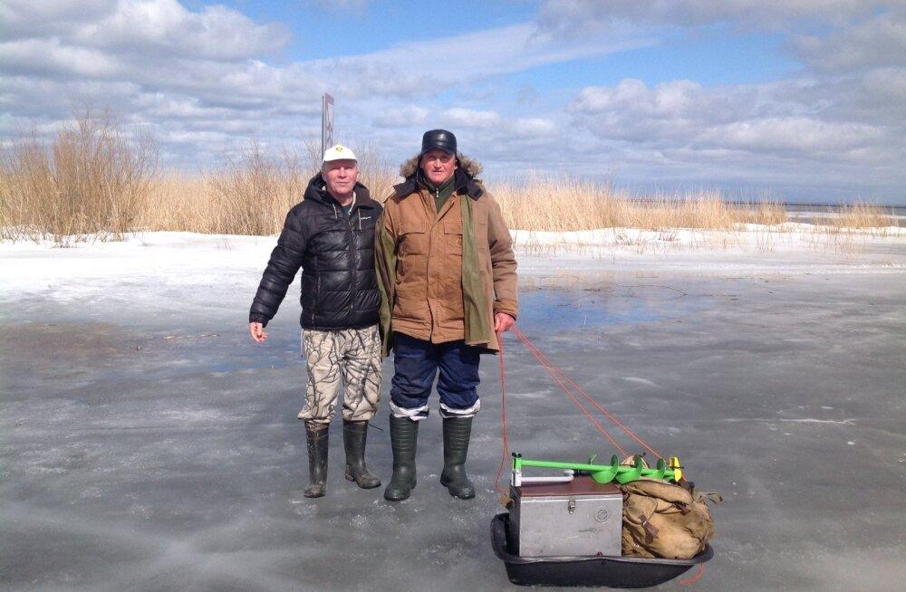 Спасенный рыбак: мы думали, что утонем
