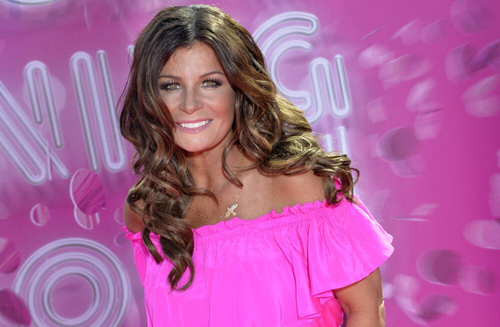 Tuline lugu! Eurovisiooni võitja kleit läks laval põlema