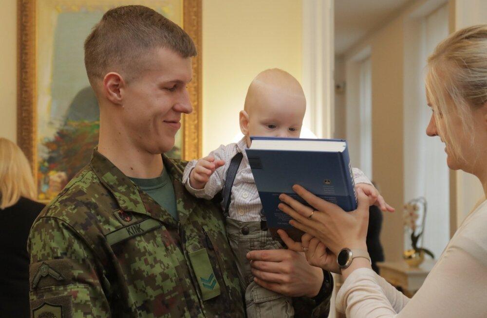 ФОТО: Рыйвас принял участвовавших в иностранных миссиях военнослужащих