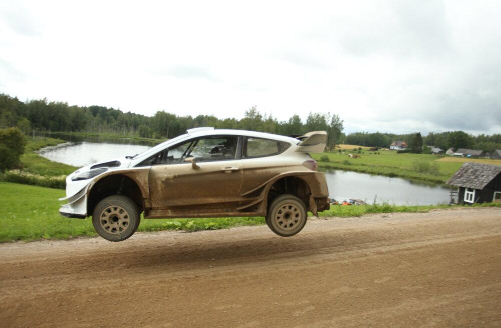 FOTOUUDIS | Rally Estoniaks valmistuv Markko Märtin istus esimest korda uue Fordi rooli