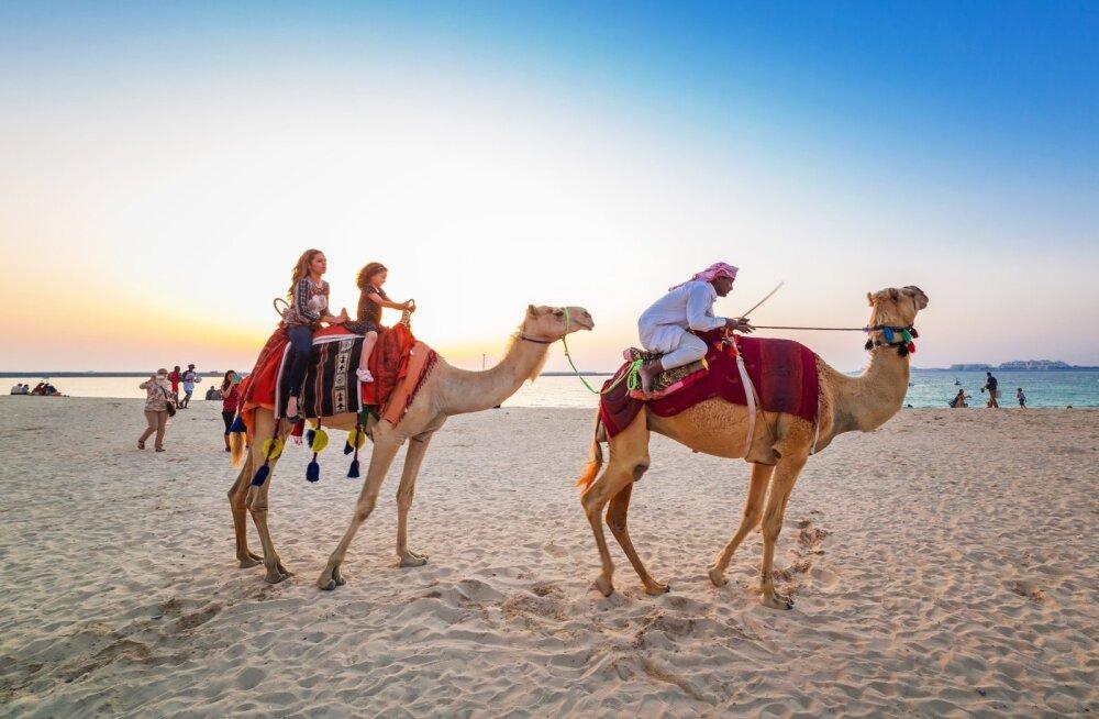 Как мошенники в Дубае обманывают туристов при помощи фальшивых купюр