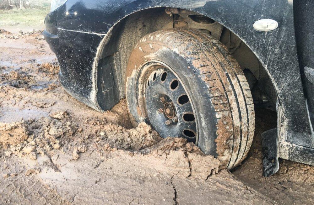 Tee vajaks asfaltkatet: maanteeamet ei tule 295 saarlase palvele vastu