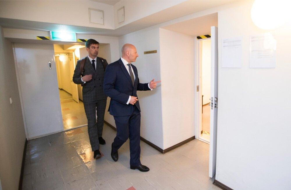 Kui kohus tunnistab Kruuda nõuet Paavo Pettai (paremal) vastu, läheks Pettai pankrotti, rääkis tema advokaat Raiko Lipstok eile kohtus.