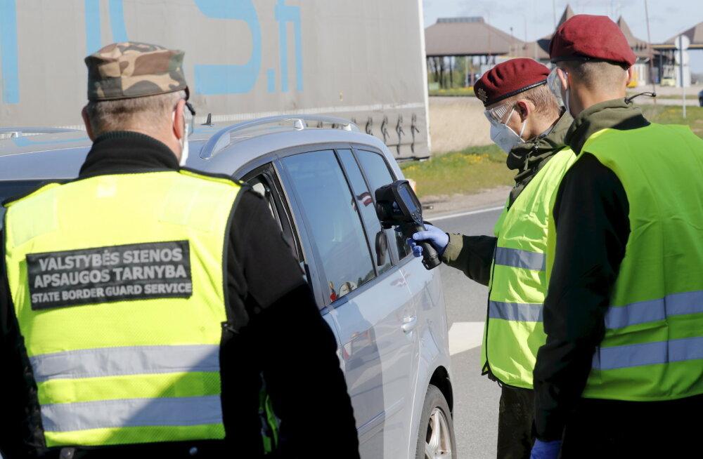 Leedu-Läti piiril püüdis võltsitud numbritega autoga sõitnud eestlane piirivalvurit 20 euroga ära osta