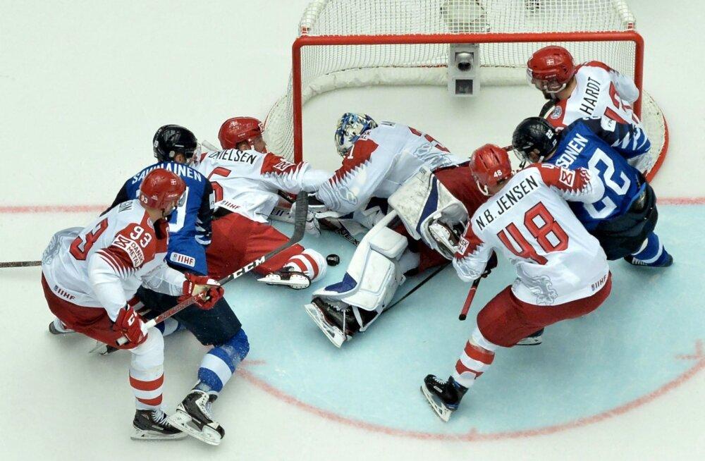 Soome hokikoondis (sinises) jäi taanlastega hätta.