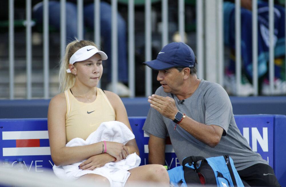 Amanda Anisimova koos isaga