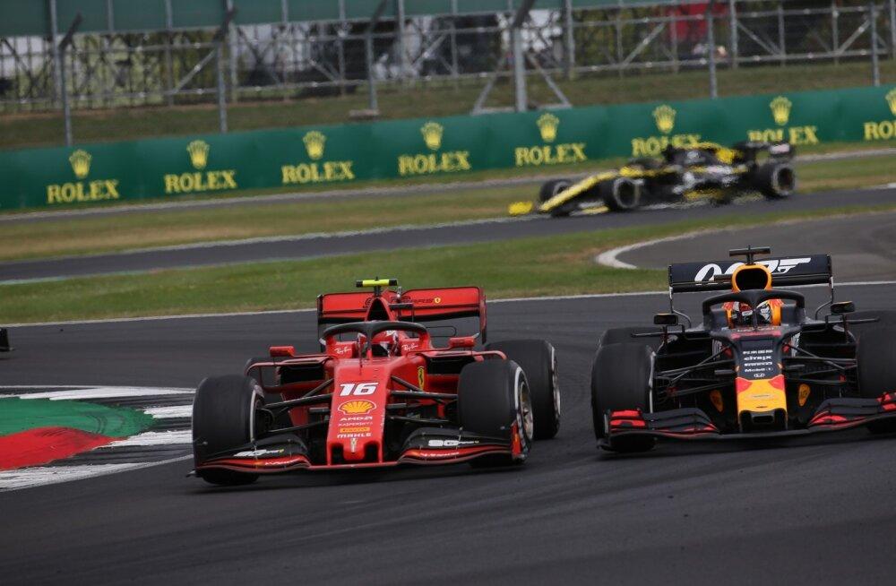 Charles Leclerc ja Max Verstappen võitlevad positsiooni pärast armutult.