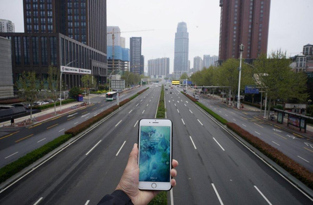 Apple ja Google ühendavad jõud, pannes telefonid viirust jälitama