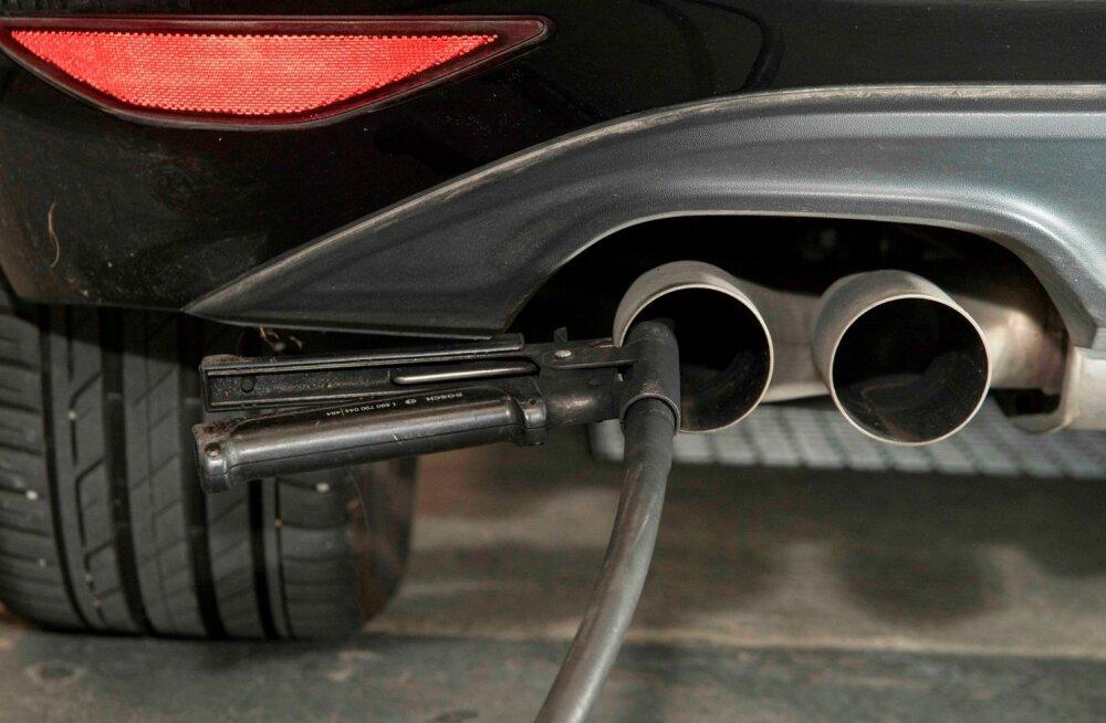 Emissioonitest autotehases