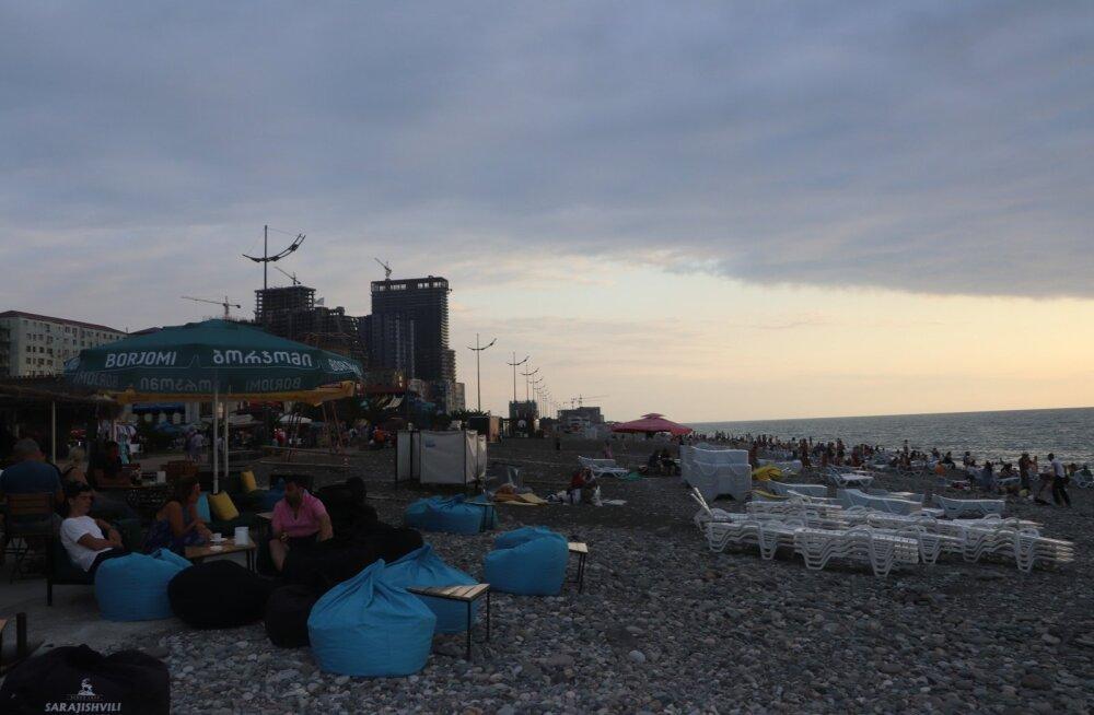 Päikeseloojang Batumi rannas
