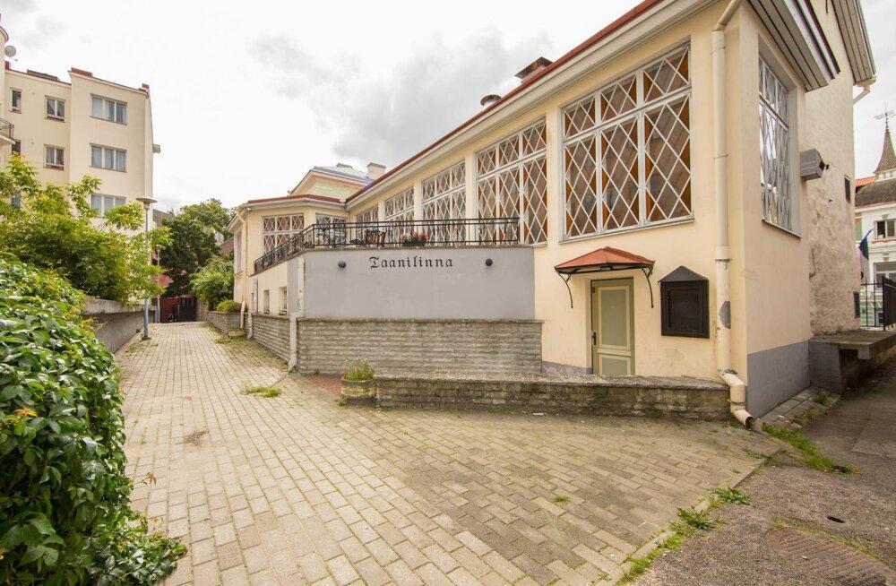 FOTOD   Koroona mõjud? Venelanna müüb Tallinna vanalinnas uhket hotelli