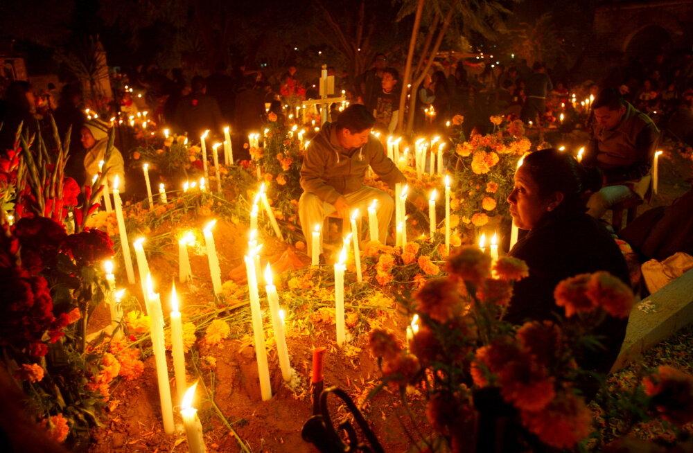 FOTOD: Mehhiklaste pöörane festival surnuaias