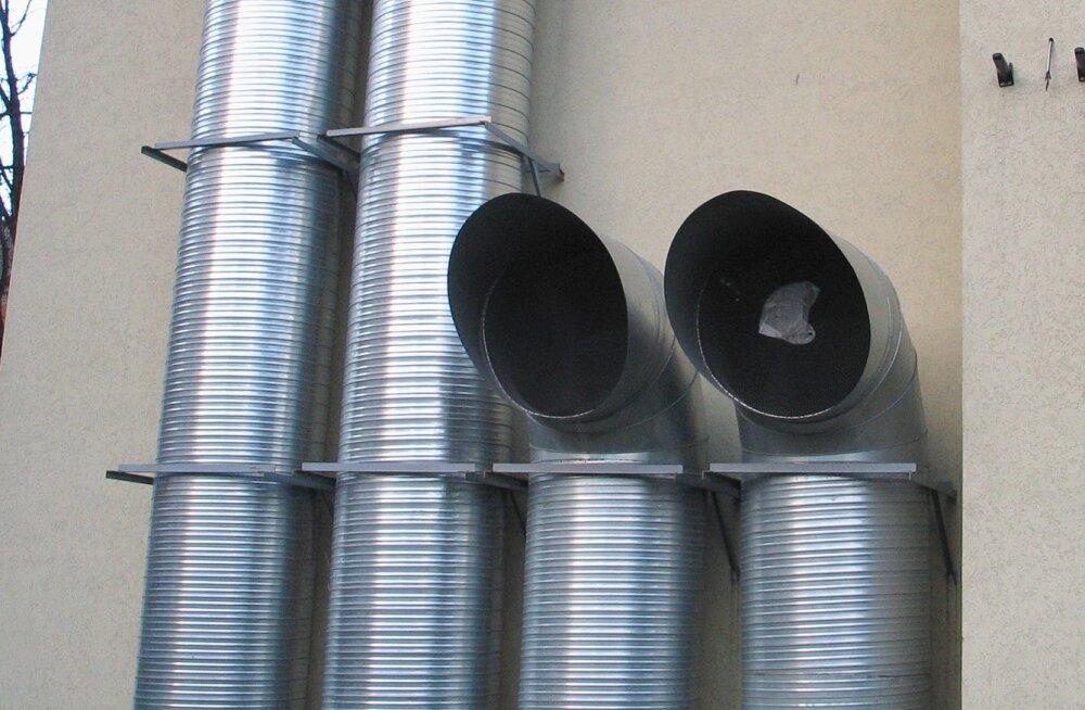 В Нарве задержали троих мужчин при попытке украсть металлические трубы на 15 000 евро