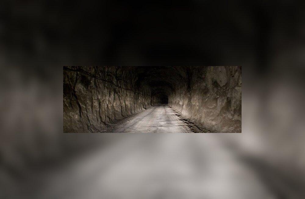 Mullikas kukkus vanasse kaevanduskäiku