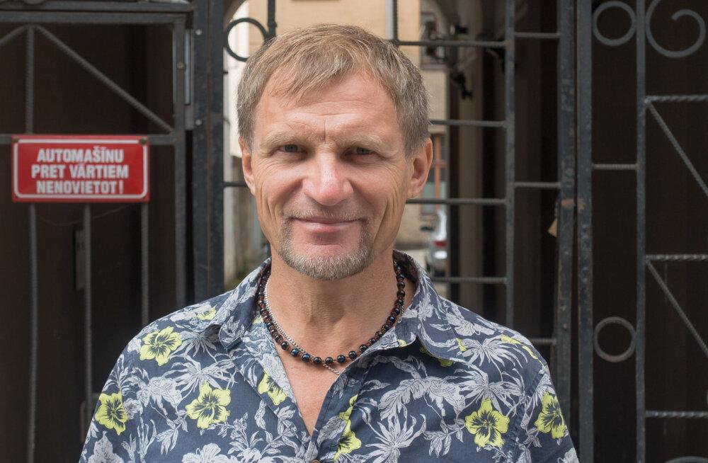 """Олег Скрипка: """"демократия"""" звучит красиво, но без патриотизма мы исчезнем"""