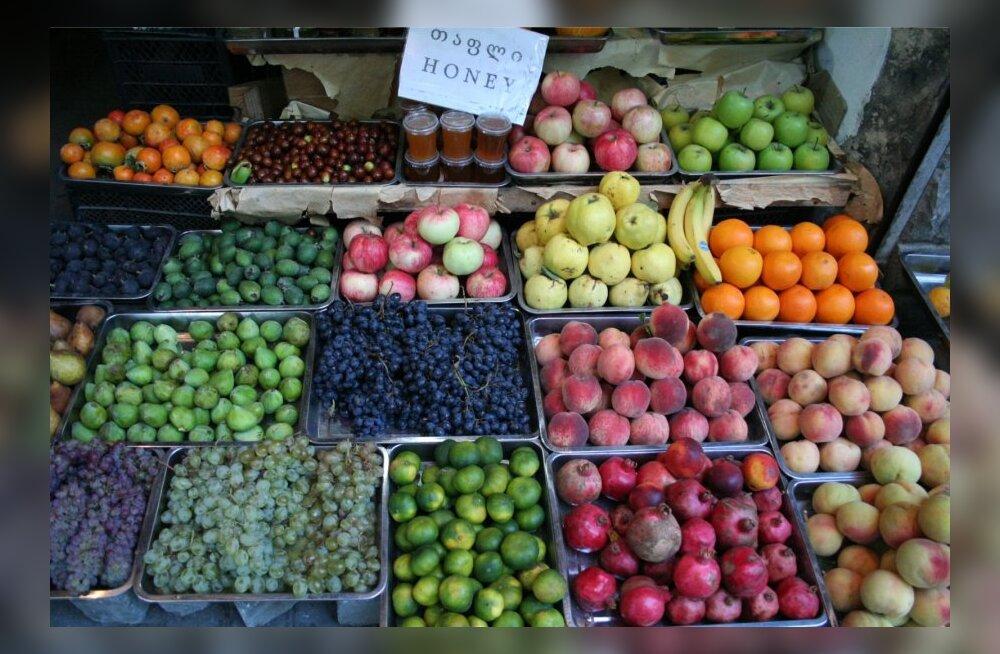 Loe, millises puu- ja köögiviljas on kõige rohkem kahjulikke mürke, mis ka pestes maha ei tule